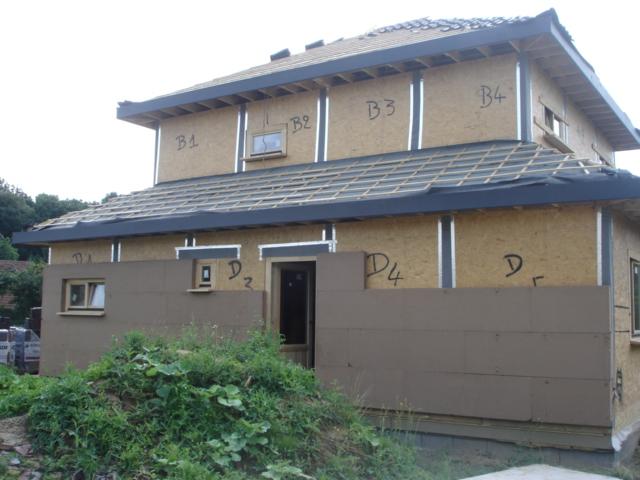 le 14 ao t quelle avanc e la maison en bois de mamilie. Black Bedroom Furniture Sets. Home Design Ideas